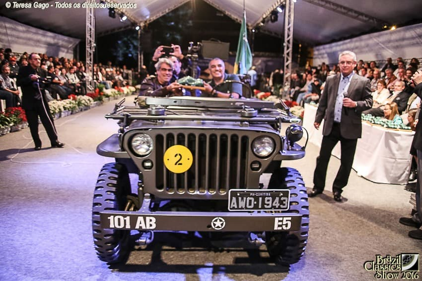 JEEP WILLYS MB MILITAR 1943